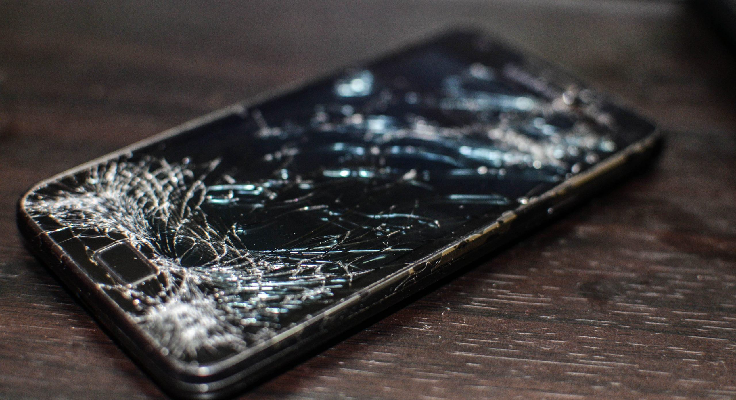 Điện thoại Samsung bị vỡ màn hình cần thay mới