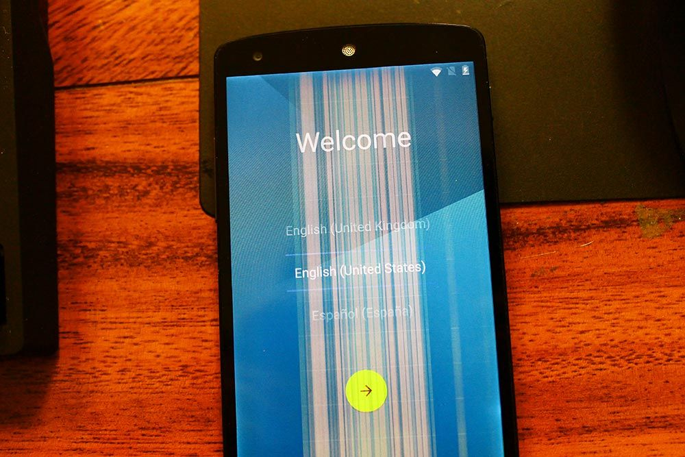 Màn hình điện thoại Oppo bị sọc dọc cần phải thay màn hình