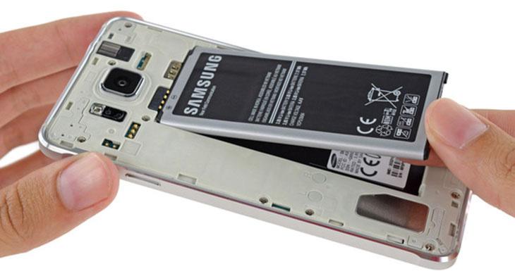 Thay pin Samsung A8 Star chính hãng uy tín tại Tp.HCM