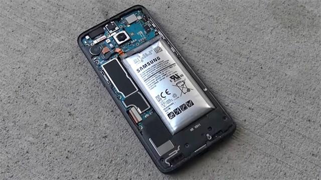 Pin-dien-thoai-Samsung-Galaxy-A10-bi-chai-phu